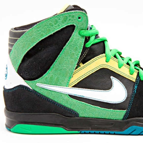 c694050f3 NIKE 6.0 Zoom Oncore in Green - Black - Yellow. M 5b4d6df304e33df91983d845.  Other Shoes ...